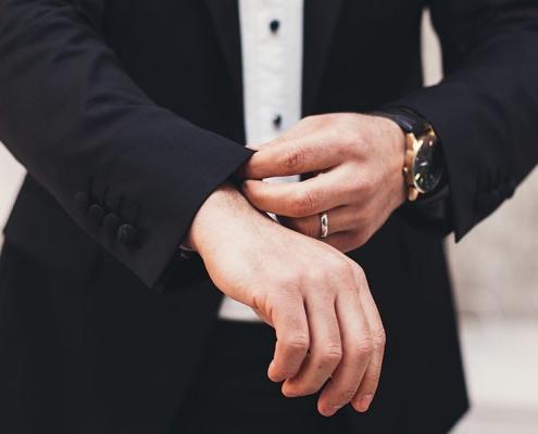 پوشش و ویژگیهای ظاهری مذاکره کنندگان